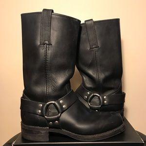Frye harness black pull in biker boot 10 leather